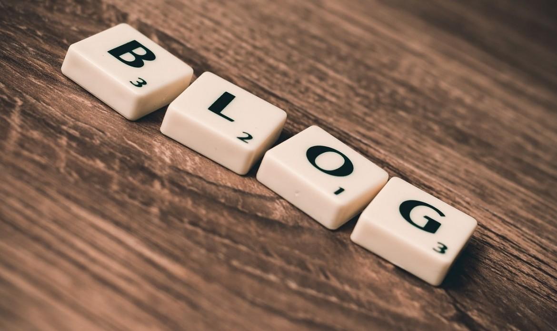 Le mot Blog écrit avec des lettres du Scrabble