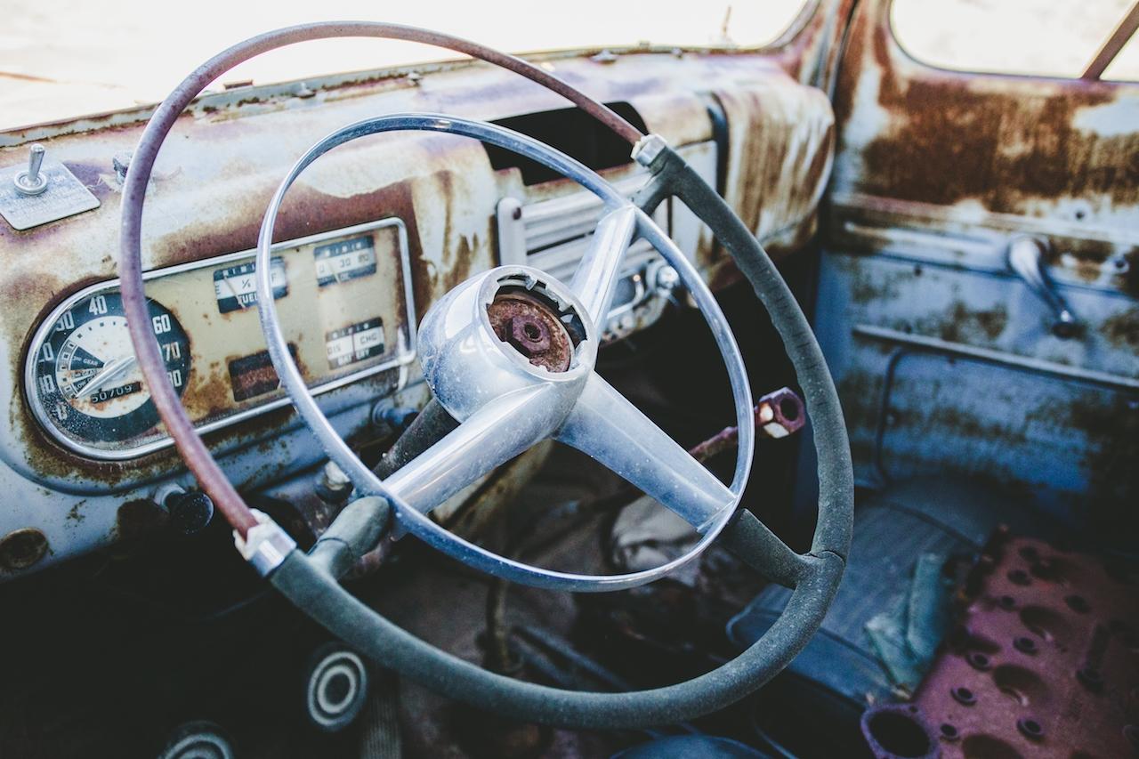 Une très vieille voiture