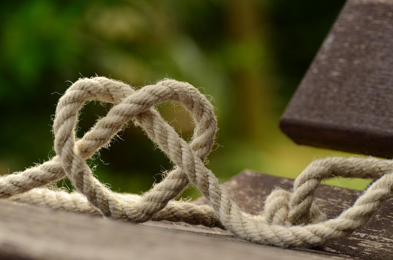 Une corde faite d'un noeud détendu